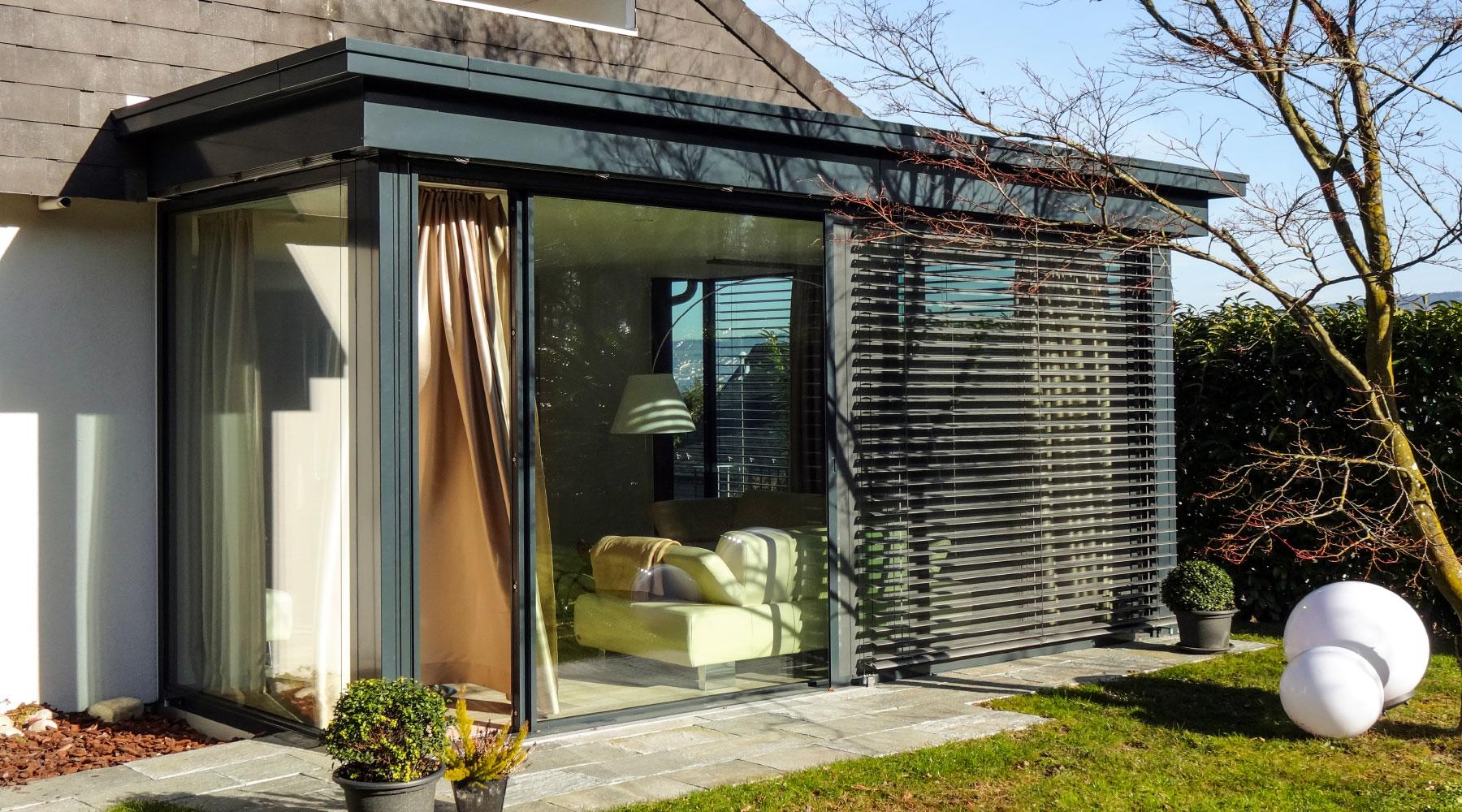 Wintergarten wohnwintergarten wohnraumerweiterungen for Wintergarten einrichtung modern