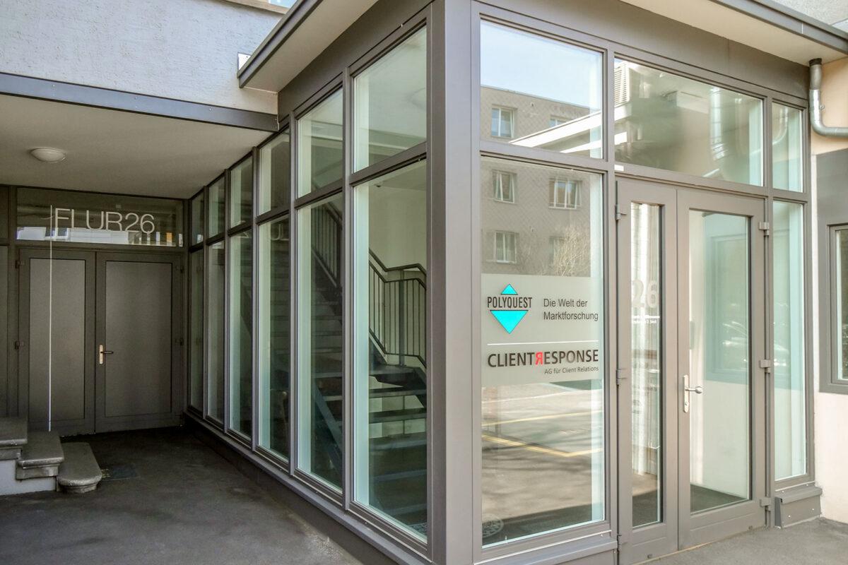 Eingangsverglasung in der Stadt Bern