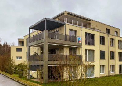 Sitzplatzüberdachung – Terrassenüberdachung – Glasdach – Lamellenpergola – Lamellendach – Wetterschutz für Möbel – Stobag – SunParadise – Nyon – Terrado – Hawaii40 – CUBO - Schutz vor Wind, Regen und Schnee – geschützte Terrasse -