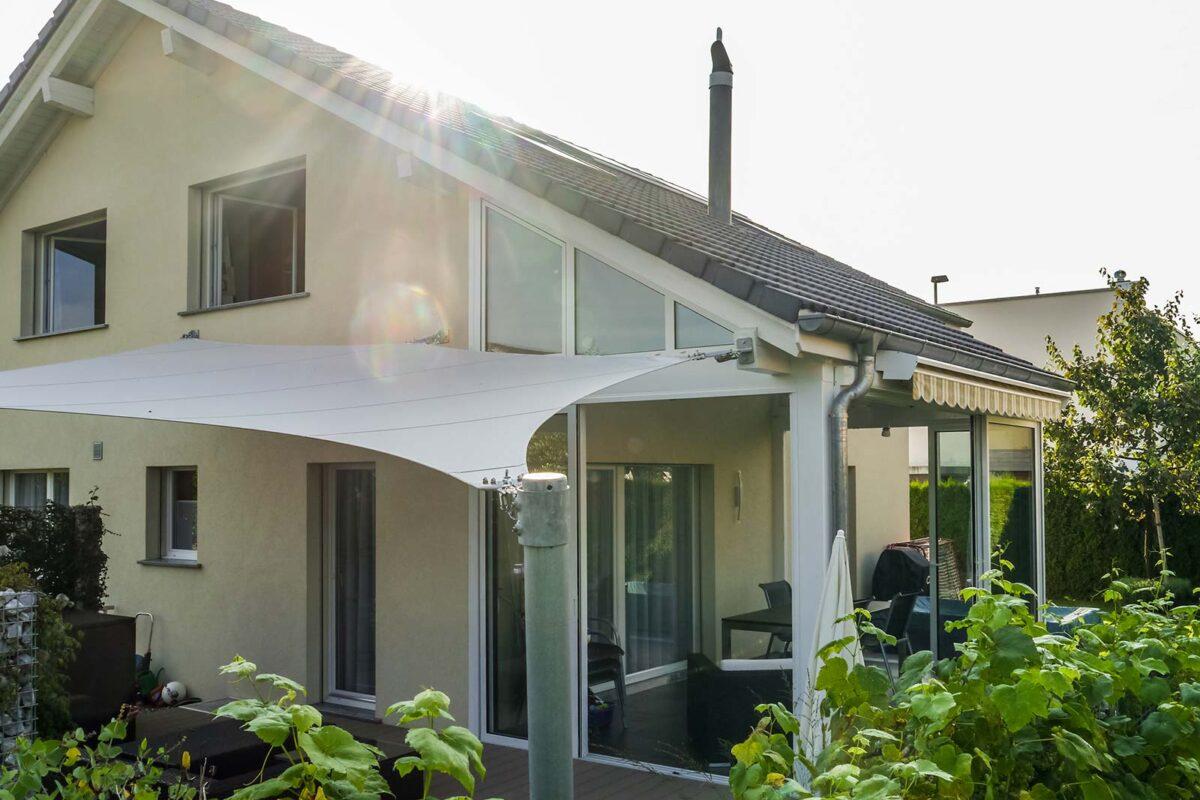 Bestehendes Vordach verglast mit isolierten Profilen und Isolierglas - Winterverglasung